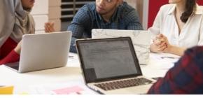 BAMF-Broschüre über Online-Angebote für Ehrenamtliche und Geflüchtete